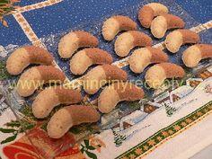 Dvoubarevné sádlové rohlíčky Gingerbread Cookies, Cooking, Desserts, Christmas, Food, Biscuits, Gingerbread Cupcakes, Kitchen, Tailgate Desserts