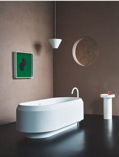 Lariana bathtub by Patricia Urquiola for Agape