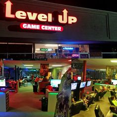 Our local lan center draws 50 every Friday and Saturday night! Everyone here LOVES video games! Video Game Shop, Video Game Rooms, Video Games, Gaming Lounge, Gaming Room Setup, Shop Interior Design, Cafe Design, Sport Bar Design, Geek House
