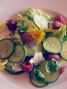 Kräutersalat mit Buttermilch-Dressing Kraut, Zucchini, Magazine, Vegetables, Happy, Food, Buttermilk Ranch Dressing, Homemade, Veggie Food