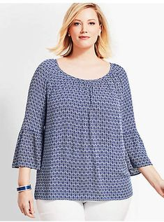 Shop Talbots for modern classic women's styles. You'll be a standout in our Woman Exclusive Lightweight Gauze Tunic-Diamond Geo - only at Talbots! Plus Size Blouses, Plus Size Dresses, Plus Size Outfits, Fashion Sewing, Curvy Fashion, Kurta Designs, Blouse Designs, High Neck, Modelos Plus Size