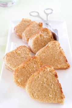 Eierlikörkuchen Sweet Bakery, Cornbread, Sweet Recipes, Ethnic Recipes, Muffins, Food, Baking, Food Food, Rezepte