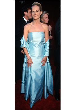 Helen Hunt in Gucci, 1998 Academy Awards. Great look for 90s fashion.