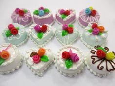 Dollhouse Miniature Christmas Holiday 1.5 cm Cake Snowman Cupcake Ceramic 15501