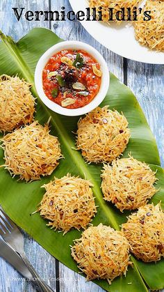 Vermicelli Idli's! Who would have thought of making idli's with vermicelli? May be it's common, but I haven't come across these before. So I when I first saw this on my FB … Veg Recipes, Indian Food Recipes, Cooking Recipes, Jain Recipes, Paratha Recipes, Cooking Food, Ethnic Recipes, Vermicelli Recipes, Recipes