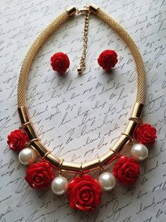 FREE SHIPPING  https://www.etsy.com/listing/293600437/red-roses-and-gold-necklace-set-roses