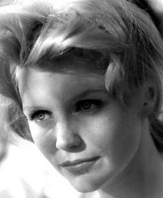 Lee Remick - [ A strange, complicated face. That's probably a good thing for an actor ... and she was an excellent one. - PSC]