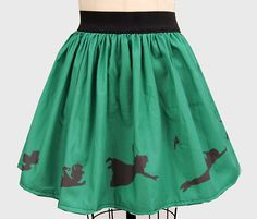Peter Pan skirt! Love it! However, I cannot see this without seeing the Ouat version