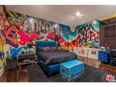 Rock bedroom - You'll Never Guess Which Rock Star Owns This WallpaperDecked Home – Rock bedroom