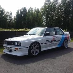 Who has got an E30 too? Post your photos in the comments! #schmiedmann #bmwspecialist #bmw