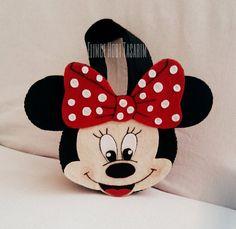 Minnie Mouse keçe çocuk çantası Crafts To Do, Felt Crafts, Easter Crafts, Mikki Mouse, Bathtub Decor, Flower Bag, Felt Decorations, Minnie Mouse Party, Frozen Birthday