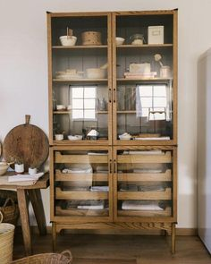 This wooden kitchen display unit is so beautiful - would love to have this in my new kitchen! Farmhouse Kitchen Cabinets, Wooden Kitchen, Kitchen Bookcase, Wooden Cupboard, Larder Cupboard, Kitchen Pantry, Kitchen Backsplash, Kitchen Display, Kitchen Decor