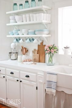 Small Kitchen Makeover Find out how to design your own Kitchen. We have given the best Small Kitchen Remodel Ideas that Perfect for Your Kitchen. Cottage Kitchen Decor, Rustic Kitchen Decor, Kitchen Redo, Vintage Kitchen, Kitchen Ideas, Kitchen Dishes, Kitchen Shelf Inspiration, Spring Kitchen Decor, White Cottage Kitchens