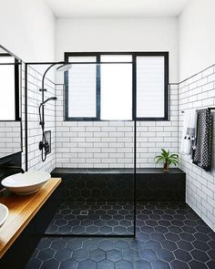 If you have a small bathroom in your home, don't be confuse to change to make it look larger. Not only small bathroom, but also the largest bathrooms have their problems and design flaws. Wet Rooms, Bathroom Interior Design, Home, Modern Bathroom Design, Diy Bathroom Makeover, White Bathroom, Bathroom Flooring, Black Bathroom, Small Bathroom Makeover