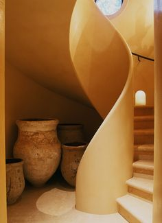 The design of the staircase is beautiful & all make with natural building materials. Cob Building, Building A House, Green Building, Organic Architecture, Architecture Design, Residential Architecture, Contemporary Architecture, Building Architecture, Pavilion Architecture