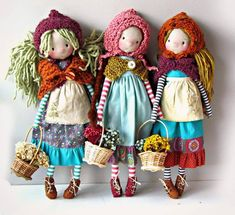 No automatic alt text available. dolls, inspiration for Santa toys The knitted clothes! Doll Crafts, Diy Doll, Fabric Dolls, Paper Dolls, Rag Dolls, Sewing Dolls, Doll Maker, Waldorf Dolls, Soft Dolls