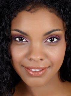 Eyeliner | bright purple eyeliner. Follow us @SIGNATUREBRIDE on Twitter and on FACEBOOK @ SIGNATURE BRIDE MAGAZINE
