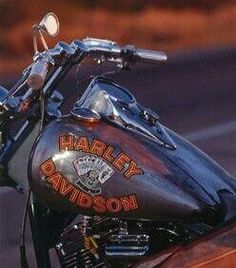 Mickey Rourke's FXR from Harley Davidson and the Marlboro Man. Harley Davidson Breakout Custom, Classic Harley Davidson, Harley Davidson Chopper, Harley Davidson Street Glide, Harley Davidson Motorcycles, Marlboro Man, Ape Hangers, Motorcycle Tank, Mickey Rourke