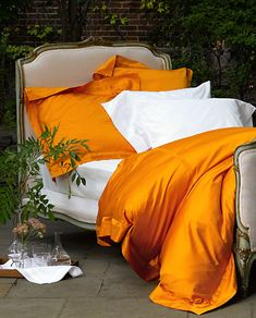 Nocturne Bed Skirts by Matouk. Sleek sateen bed skirts crafted from 600 thread count Egyptian cotton. Shop luxury duvets, sheets and shams at Fig Linens. King Duvet, Queen Duvet, Nocturne, Duvet Cover Sizes, Duvet Covers, Master Suite, Ikea, Orange Bedding, Gray Bedding