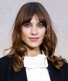 Alexa Chung's new haircut is both sexy and sophisticated