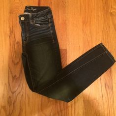 American eagle jeggings American eagle jeggings, size 0, super stretch, comfiest jeans ever made! American Eagle Outfitters Pants Skinny