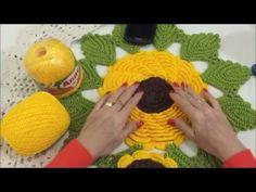 Caminho de Mesa Girassol - PAP (completo) - YouTube Crochet Flower Squares, Crochet Sunflower, Crochet Ripple, Crochet Flower Tutorial, Crochet Flower Patterns, Crochet Designs, Crochet Doilies, Crochet Flowers, Crochet Home