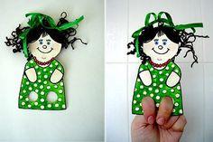 ТЕАТР С ПАЛЬЧИКОВЫМИ КУКЛАМИ    Сделать пальчиковые куклы - очень просто! А с готовыми игрушками можно устроить домашний театр.    Для этого потребуется:  - картон или плотная бумага  - ножницы  - восковые мелки или цветные карандаши  - по желанию - клей,вата,папиросная бумага,наклейки,блёстки,фольга и шерсть  Дайте ребёнку возможность проявить свою фантазию при украшении кукол    Внимание!  Все действия с ножницами и другими острыми предметами производят взрослые.    Приготовление…