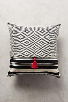 Mercado Global Comalapa Pillow