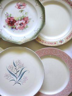 Vintage Mismatched Dinner Plates, Pinks.