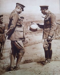 The Last Days of Mankind: 'So what is it, some sort of hat?' 'I'm not entirely sure, your majesty. Jolly good show all the same.' George V visiting the Butte de Warlencourt on the Somme. World War One, First World, King George, King Charles, War Photography, American War, British History, Vietnam War, First Photo