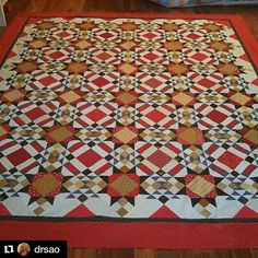 Weeee!  So happy to see more Allietare Love from SAO in Virginia!  So gorgeous!  ... #quilt #quilting #patchwork #quiltville #bonniekhunter #allietarequilt #mysteryquilt #quiltvillemystery2015 #quiltsbyyou