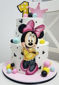 Mini Mouse Birthday Cake, Mini Mouse Cake, Girls First Birthday Cake, Cute Birthday Cakes, Mickey Birthday, Birthday Kids, Mickey And Minnie Cake, Bolo Minnie, Mickey Mouse Cupcakes