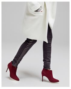 Slim fit jeans, red ankle boots, off white coat