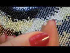 Как вышивать бисером в круговой технике? Моя организация и процесс вышивания. - YouTube Bead Crochet Patterns, Cross Stitch Patterns, Beaded Bags, Beaded Jewelry, Crazy Quilting, Crochet Carpet, Peyote Stitch, Beading Tutorials, Fabric Art