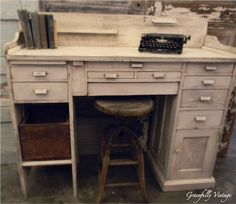 Old Machinest Desk....I could die!!