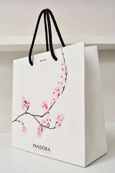 Pandora Shopping Bag Luxury Packaging, Bag Packaging, Beauty Packaging, Packaging Design, Shopping Bag Design, Paper Bag Design, Print On Paper Bags, Crochet Baby Boots, Mermaid Gifts