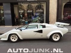 Witte Lamborghini Countach 5000 S in Parijs