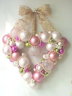 this would be soooo pretty to do with beads for a brooch or a charm...Ornament Heart Wreath