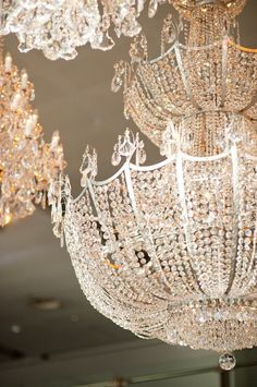 Obsessed with these glam chandeliers! xoxo Beautylove Aprons