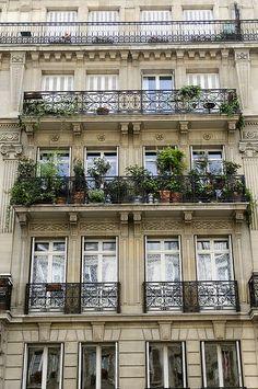 Balcony garden, Paris