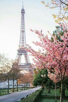 Camino a la torre Eiffel