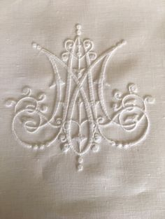 Embroidery for linen pall from Sue Newman and Elizabeth Morgan http://www.churchlinens.com/embroidery/
