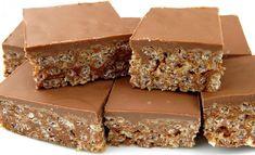 Recipe: Rice Krispies at Mars Bar - Snacks - Dessert Mars Bar Squares, Barre Mars, Dessert Bars, Dessert Recipes, Mars Bar Slice, Reis Krispies, Starbucks Secret Menu Drinks, Lamb Recipes, Melting Chocolate
