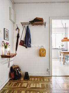 découvrir l'endroit du décor : ATTENDRISSANTS Wall Shelves, Shelving, Under Sink, Tiny Spaces, Shelf Brackets, Decoration, Wardrobe Rack, Floating Shelves, Entrance