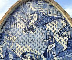 Foto da Semana: Belo Horizonte e Portinari – Let's Fly Away – Detalhe dos azulejos da Igreja de São Francisco, em Belo Horizonte (MG), às margens da Lagoa da Pampulha, projetada por Oscar Niemeyer. Azulejos de Portinari que retratam a via sacra do santo, sendo um dos símbolos da capital mineira. #igreja #símbolocidade #viajar