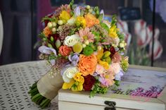 Weeding, Nasa, Bouquets, Wedding Hairstyles, Table Decorations, Hair Styles, Herb, Weed Control, Bouquet