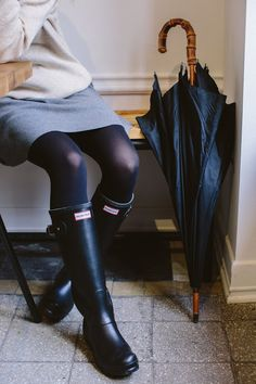 Nice Awesome Ideas Rain Boots Hunter Outfit for Women Hunter Boots Outfit, Hunter Rain Boots, Fall Winter Outfits, Autumn Winter Fashion, Spring Outfits, Fall Fashion, Fashion Mode, Fashion Outfits, Style Fashion