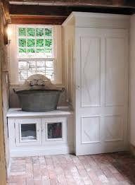 Washtub sink laundry room