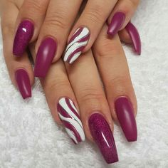 From the tip top to the tip toes, we have the waxing, sugaring, manicure and ped. - The most beautiful nail designs Fancy Nails, Trendy Nails, Pink Nails, Cute Nails, Gel Nails, Classy Nails, Nail Nail, Christmas Nail Art Designs, Christmas Nails