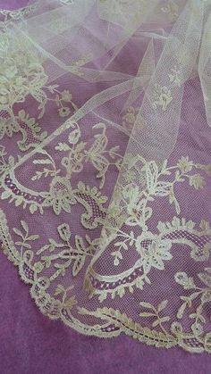 Purple | Porpora | Pourpre | Morado | Lilla | 紫 | Roxo | Colour | Texture | Pattern | Style | Form | 19th C. French lace: Lavender purple